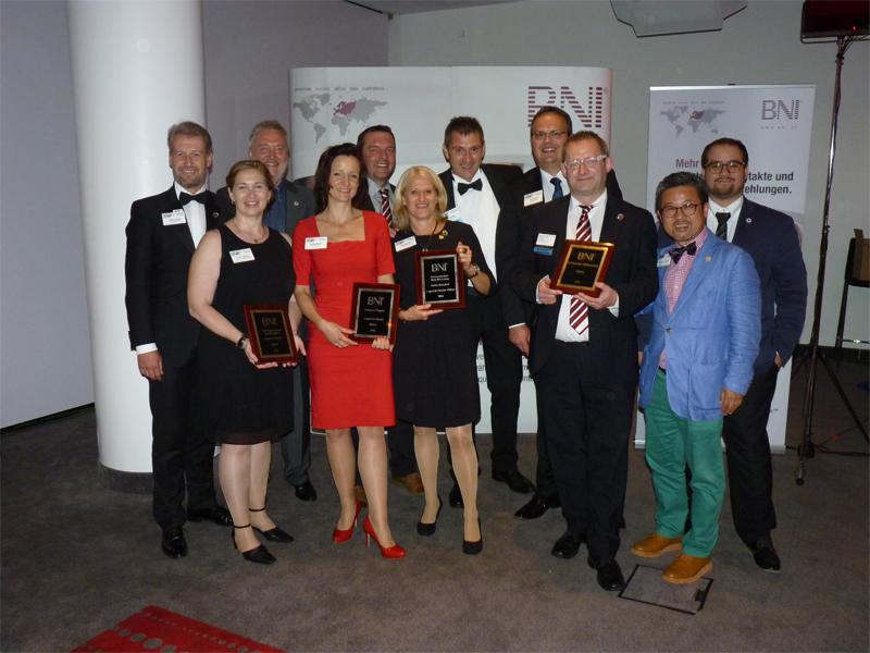 Die Awardsübergaben an das BNI-Team
