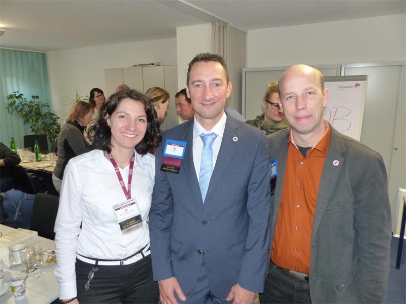 Jens Dörge (Mitte), neuer Direktor des Zwickauer BNI-Chapters